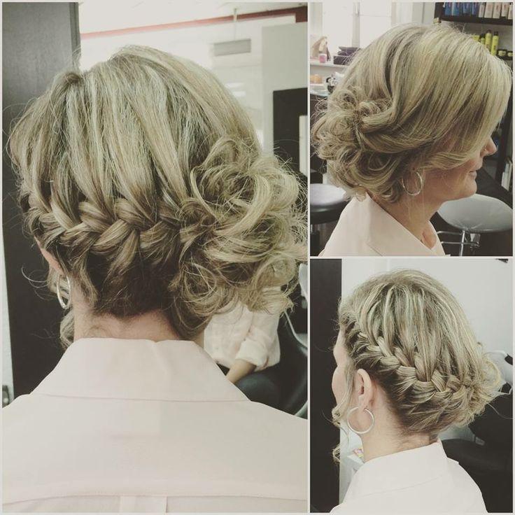 Chignon mariage. Chignon mariée. Coiffure mariage. Coiffure mariée. Tresse. Cheveux blonds. Wedding hair. Blonde hair. Hair braid.