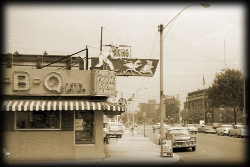 Tunnel B-B-Q back in the day! losing our history - landmarks going !