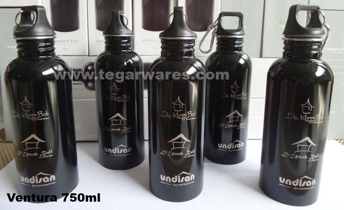 A Ventura 750ml stainless steel water bottle 750ml for hotel souvenirs and merchandise ordered by De Klumpu 'Eco Tradi Place' Bali , De Umah 'Eco Tradi Home' and Undisan Tradi Eco Experiences. Undisan is a village located in the district Tembuku, Bangli, Bali. The village is famous for crafting gold and silver. The village is now being developed into a tourist village.