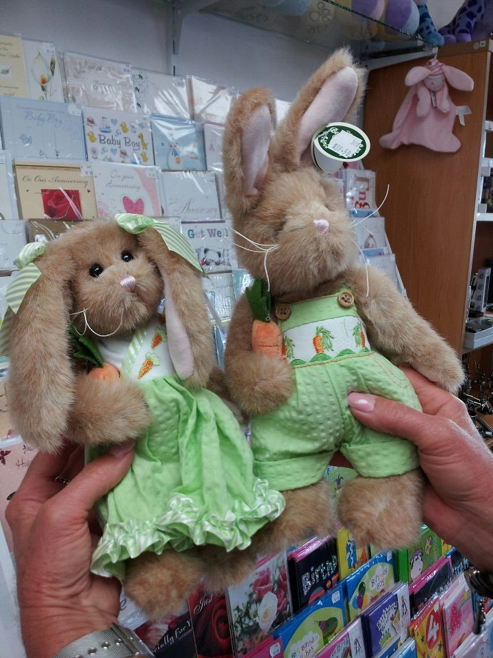 Mr and Mrs Rabbit - Charity's Rotorua - All profits go towards funding chairty groups and events - www.rotorua.co.nz