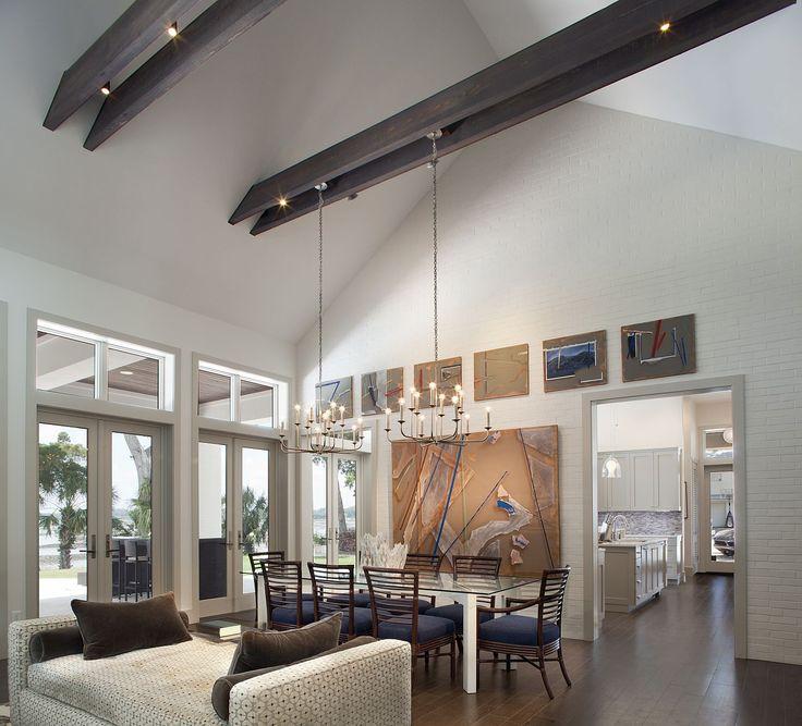 Amanda Webster Design: Classic Contemporary Great Room Interior Design / Photo: Neil Rashba