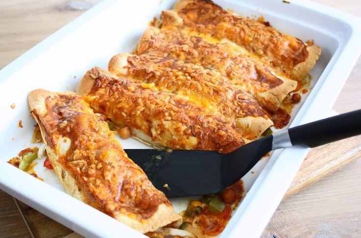 Kip enchiladas met bonen