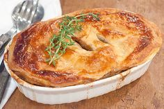 Beef and Stout Pie from @NevrEnoughThyme http://www.lanascooking.com/2013/01/25/beef-and-stout-pie/