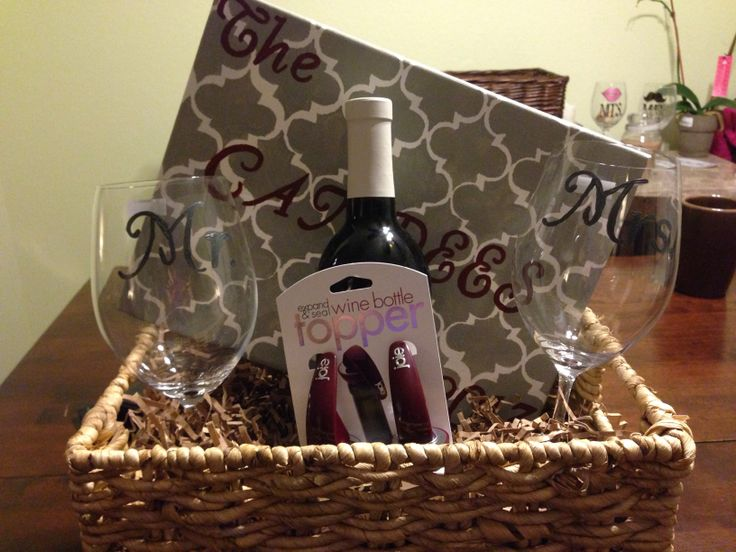 Wedding Gift Basket Wine : Wedding gift basket - picture, wine, bottle stopper, Mr & Mrs wine ...