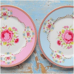 Love these pastel flowery plates