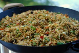 Chaulafan de pollo or Ecuadorian chicken fried rice recipe | Laylita's recipes