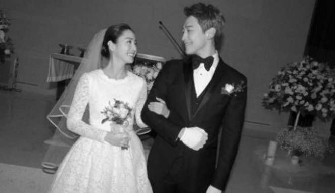 Pernikahan Rain dan Kim Tae Hee sangat tertutup | PT Kontak Perkasa Futures Cabang Bali Pria yang akan menjadi pendamping hidupku, dan saya akan mendukung satu sama lain juga saling memberi kekuatan. Saya berharap tidak ada seorangpun yang sakit di musim dingin ini, dan saya berdoa kalian semua…