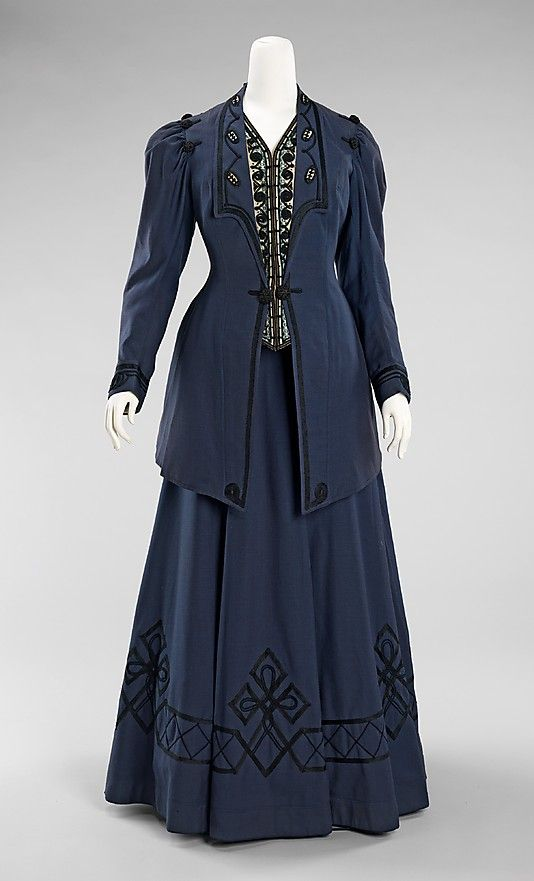 "1905-1910 wool and silk Walking suit by Kontoff, American. Label in jacket: ""Kontoff/Boston"".  Via MMA."