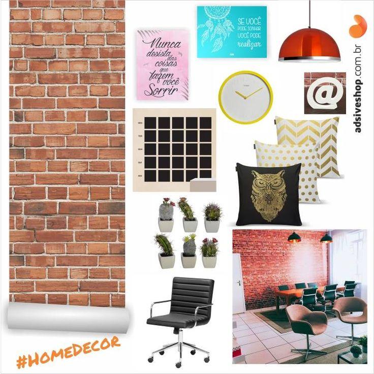 """Hoje nosso painel homedecor teve como inspiração o novo Studio da CBBlogers Blogs, que deixou o ambiente incrível com o Papel de Parede """"Tijolinho à vista"""", deixando o escritório funcional e muito charmoso."""