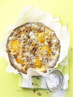 Walnuss-Streuselkuchen mit Aprikosen