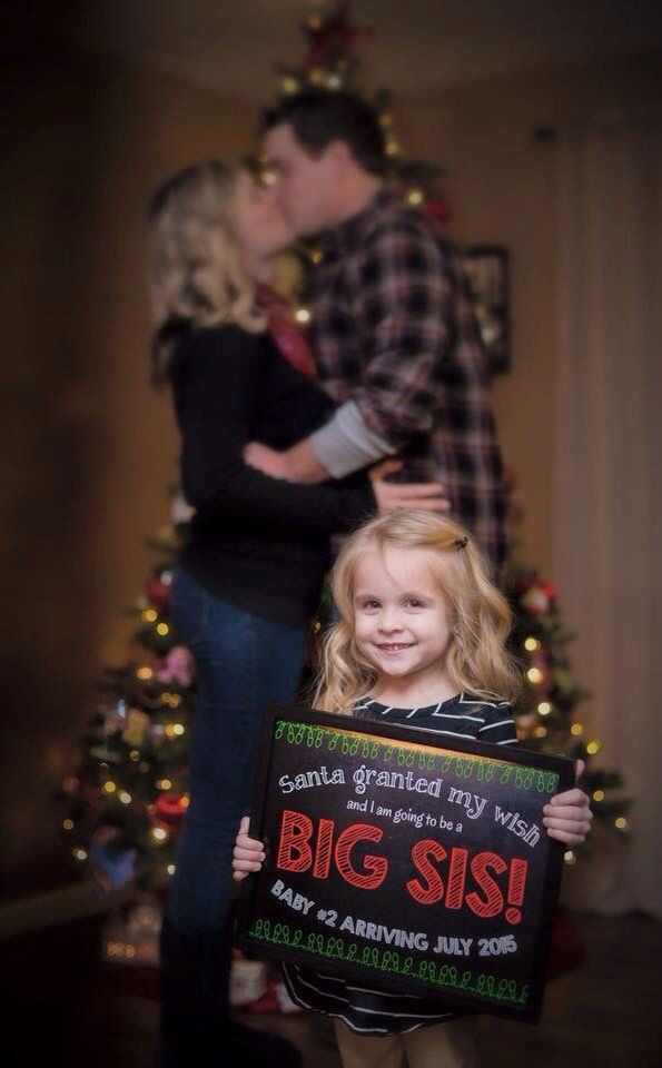 Christmas Pregnancy Announcement with big sister! #pregnancy…