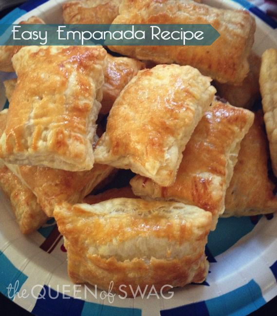 Quick and Easy Empanada #Recipe via Cooking with thequeenofswag.com
