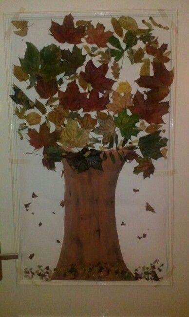 Herfstboom met bladeren