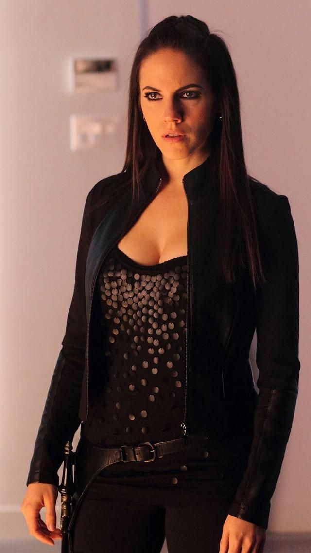 Anna Silk... enviously admiring all of her.
