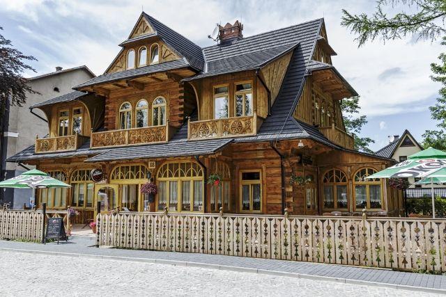 Małopolska - zakopiańskie wille - Turystyka - WP.PL Willa Konstantynówka z 1900 r., Zakopane (fot. marekusz / Shutterstock.com)