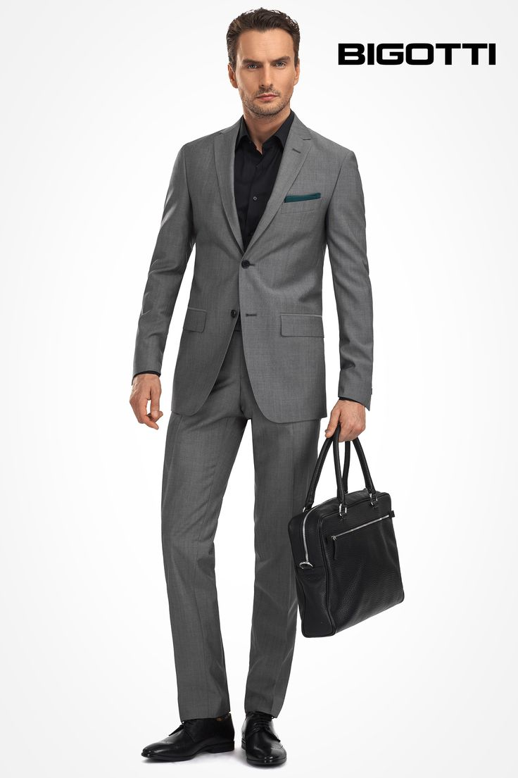 A #wardrobe #essential, the #grey #suit can be #worn with #black #shirt and #accessories for #both #classic #look and #modern #approach.  www.bigotti.ro #moda #barbati #costume #gri #minimalism #ootd #ootdmen #mensfashion #menswear #mensclothing #mensstyle #fashiontag