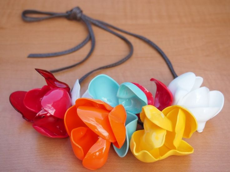 spoon flower necklace | what i do  http://whatido.com/posts/spoon-flower-necklace