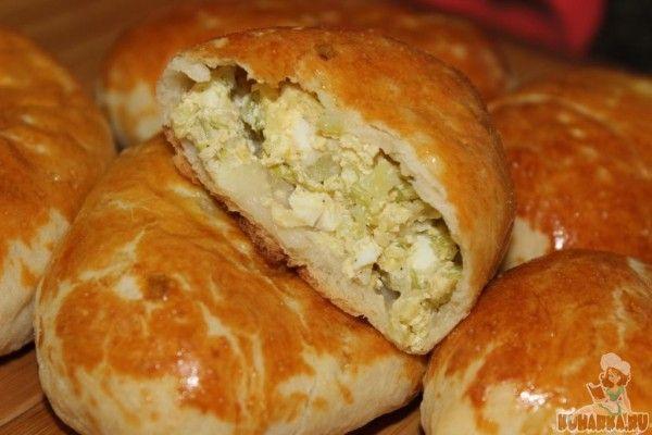 Рецепт: Пирожки с молодой капустой