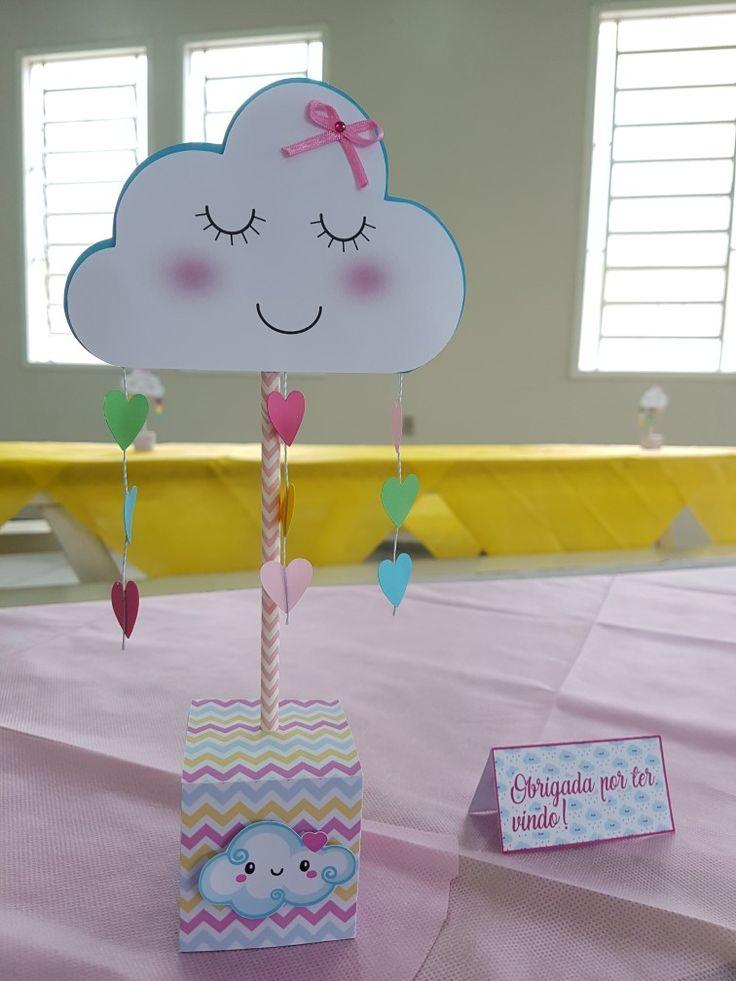 Centro de mesa no tema Chuva de Amor e plaquinha de agradecimento