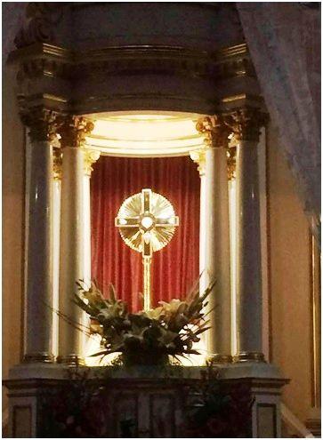 Oración al Santísimo Sacramento del Altar para pedir perdón y bendición a Jesús