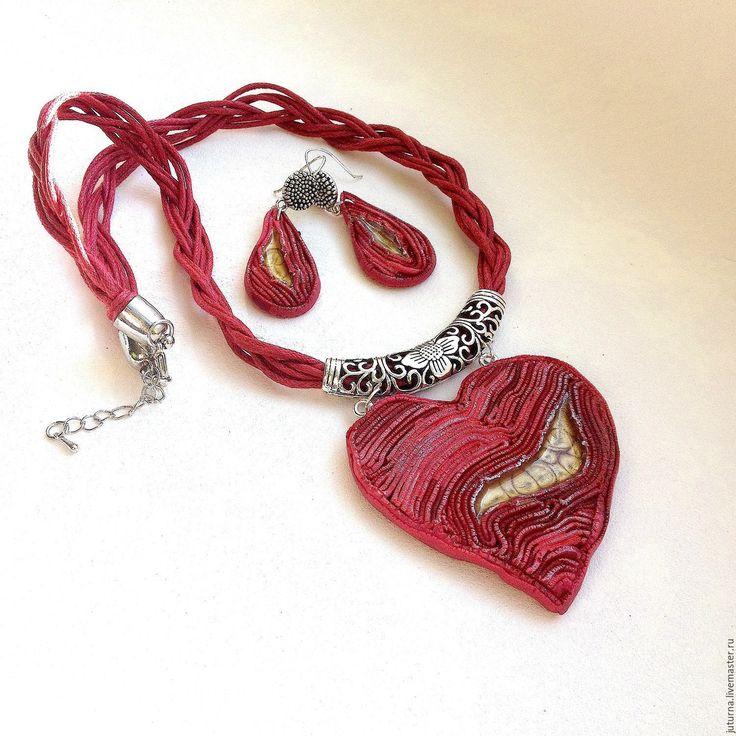 """Купить Комплект украшений """"Разбитое сердце"""" - бордовый, красный, алый, сердце, сердечко, серьги длинные"""