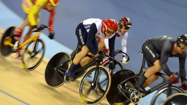 Sir Chris Hoy claimed a British record sixth Olympic gold medal, with a trademark surge to victory in the keirin.