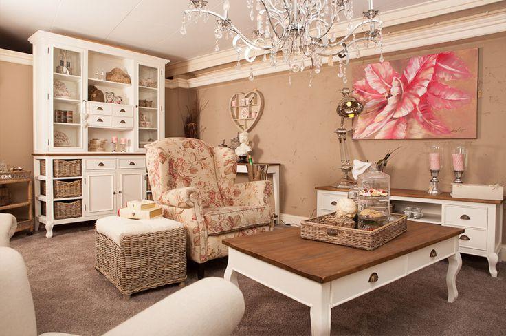 25 beste idee n over romantisch huisje op pinterest shabby chic kanten lampenkap en - Decoratie romantische slaapkamer ...