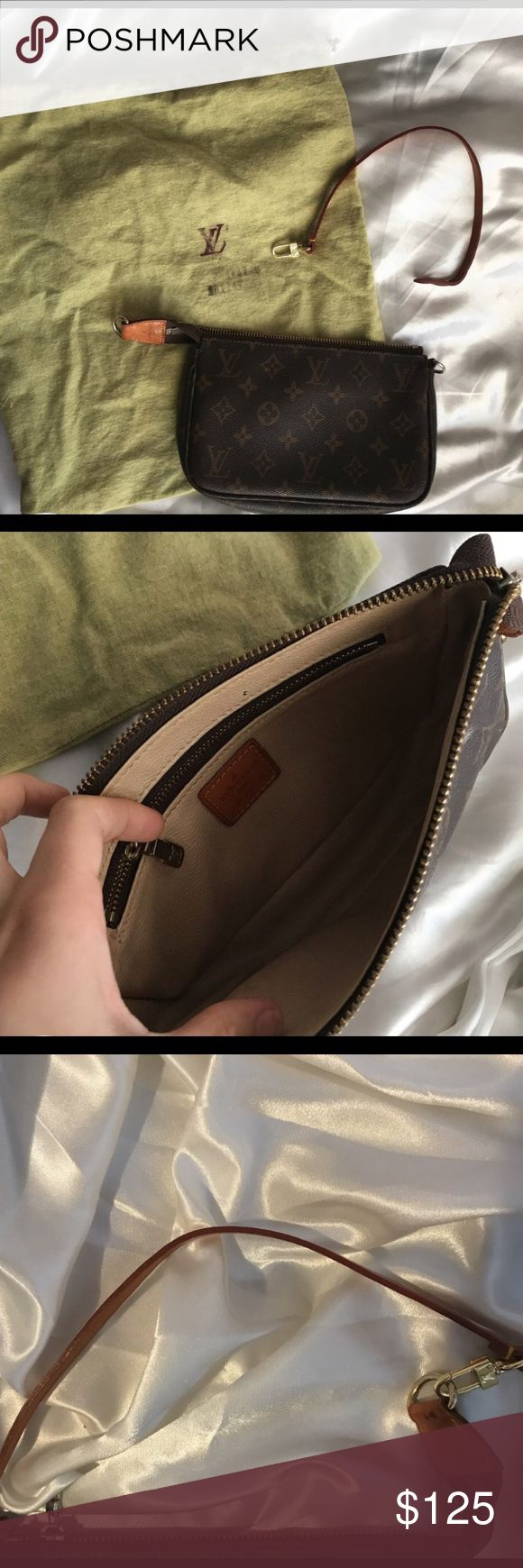 Louis Vuitton clutch small Louis Vuitton clutch/handbag  love this bag so much but it's time for a new one no damage, it's just used. Louis Vuitton Bags Clutches & Wristlets