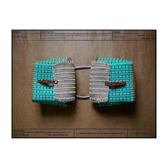 Alforjas para bicicleta tejidas a mano por Matías originario de San Pedro #Jocotipac, #Oaxaca  #hechoamano #handmade #fairtrade #comerciojusto #fashionrevolution #revolucionmoda #localfashion #consumelocal #compralocal #buylocal #cestería #basketery #comerciojusto #fairtradefashion #fairtrade
