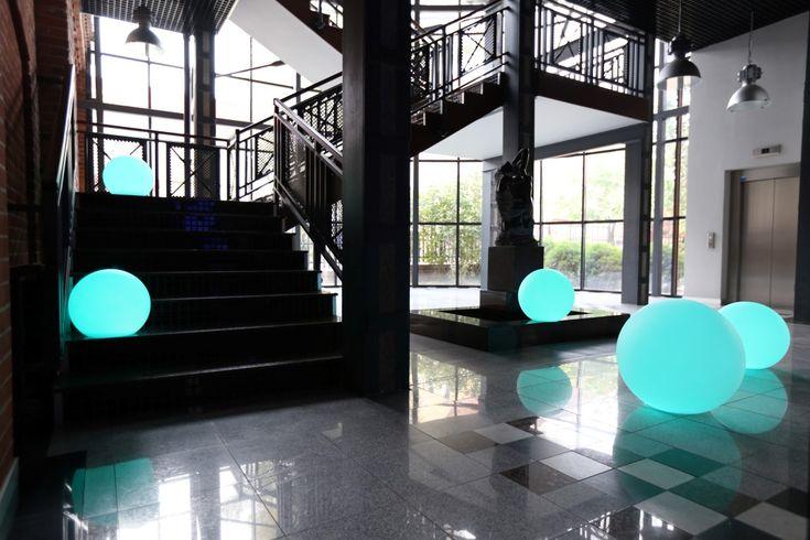 Wielkanoc w stylu nuno'ni | modern design moon-shaped lamps  http://www.nunoni.com/en/home/