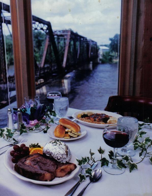 Dining Blackstone Fine Iowa City Restaurant American Cuisine