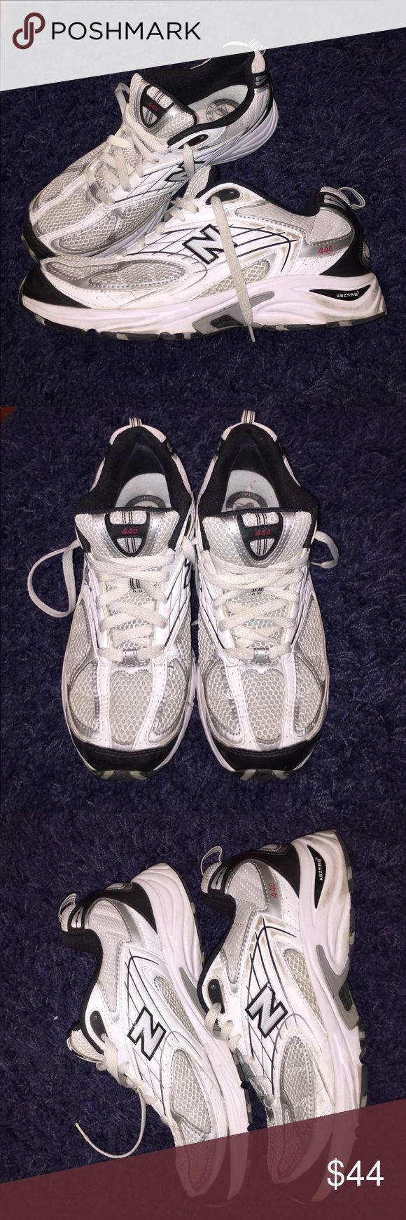 New balance Abzorb 440 running sneakers Worn but still good wearable condition new balance Abzorb 440 athletic running shoe. Size 8 in men's size 10 in women's. Any questions feel free to ask. Please double check size before purchase! New Balance Shoes Sneakers