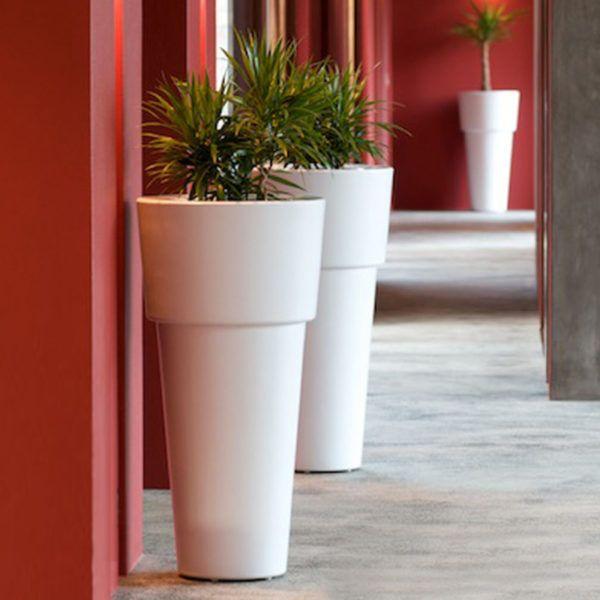 Artemis LED outdoor planter