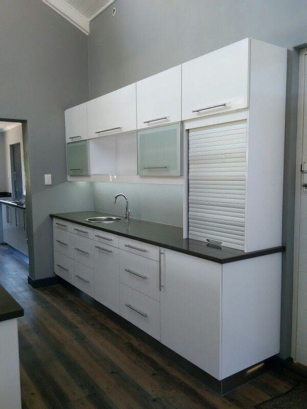 rollup shutter, aluminium doors, led lighting