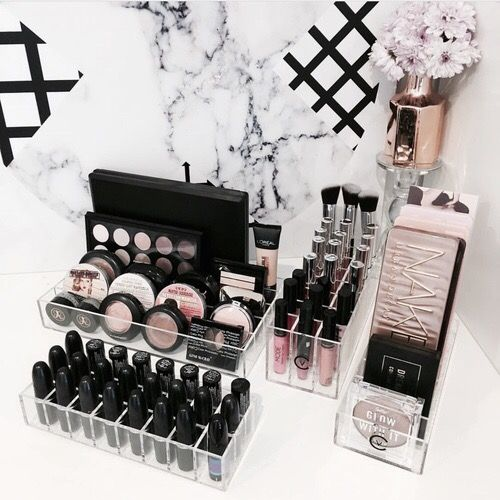 Best 25+ Makeup collection storage ideas on Pinterest ...