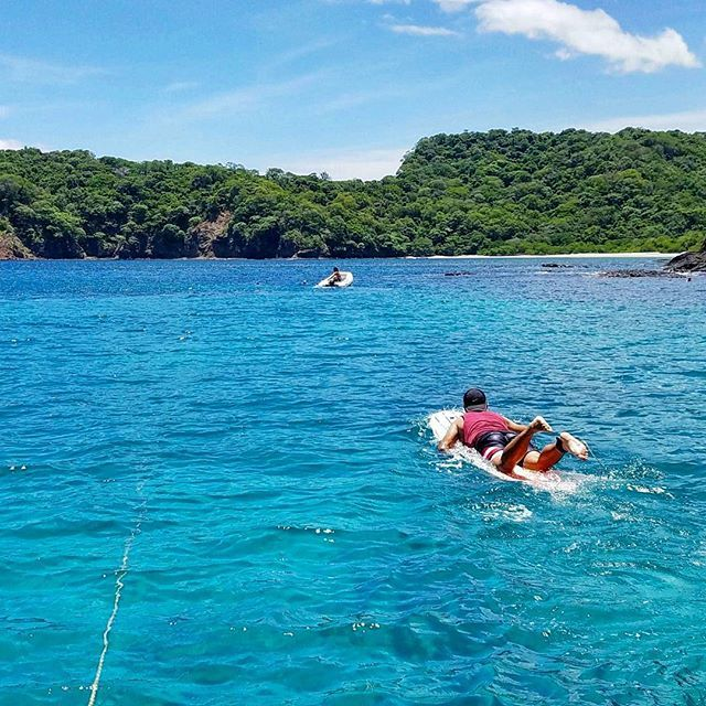 Went out boating in the Papagayo gulf on Wednesday and the weather was perfect! Sunny skies, a little cloudy so it wasn't scorching hot and crystal clear waters. Also had this gorgrous beach all to ourselves! We took Yeisons longboard to do some wakeboard