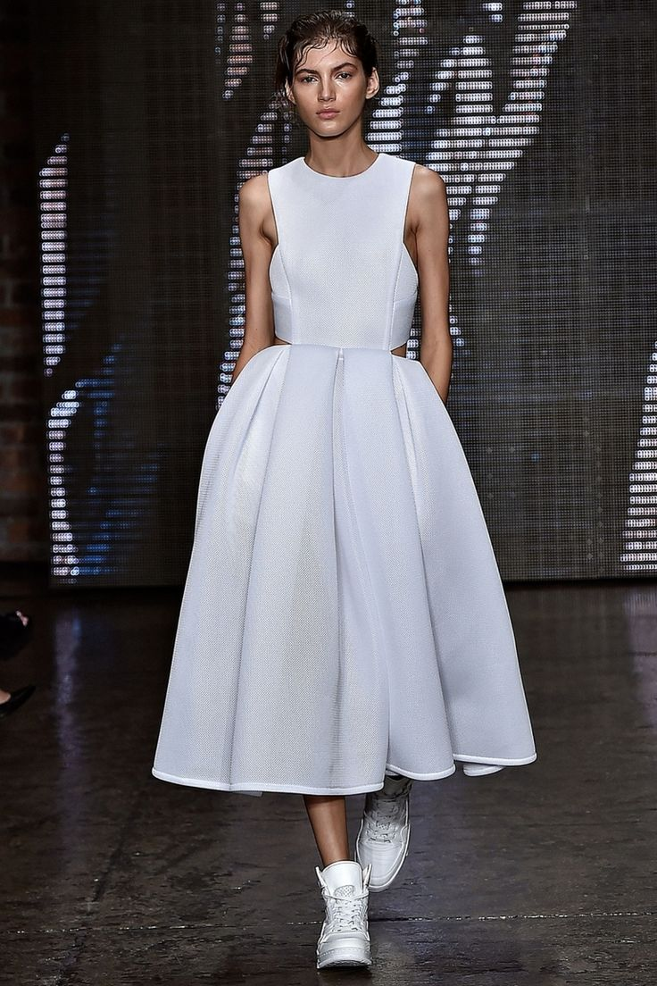 DKNY, Весна-лето 2015, Ready-To-Wear, Нью-Йорк, платье из неопрена с кроссовками