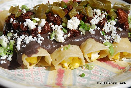 Gotta try these Big Brunch Enchiladas for Mother's Day or a Cinco de Mayo breakfast...