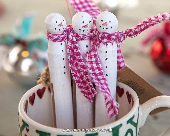 Snowman Ornament, Snowman Clothespin, Frozen Snowman, Christmas Ornament, Clothespin Doll, Peg Doll, Stocking Stuffer - CHR004