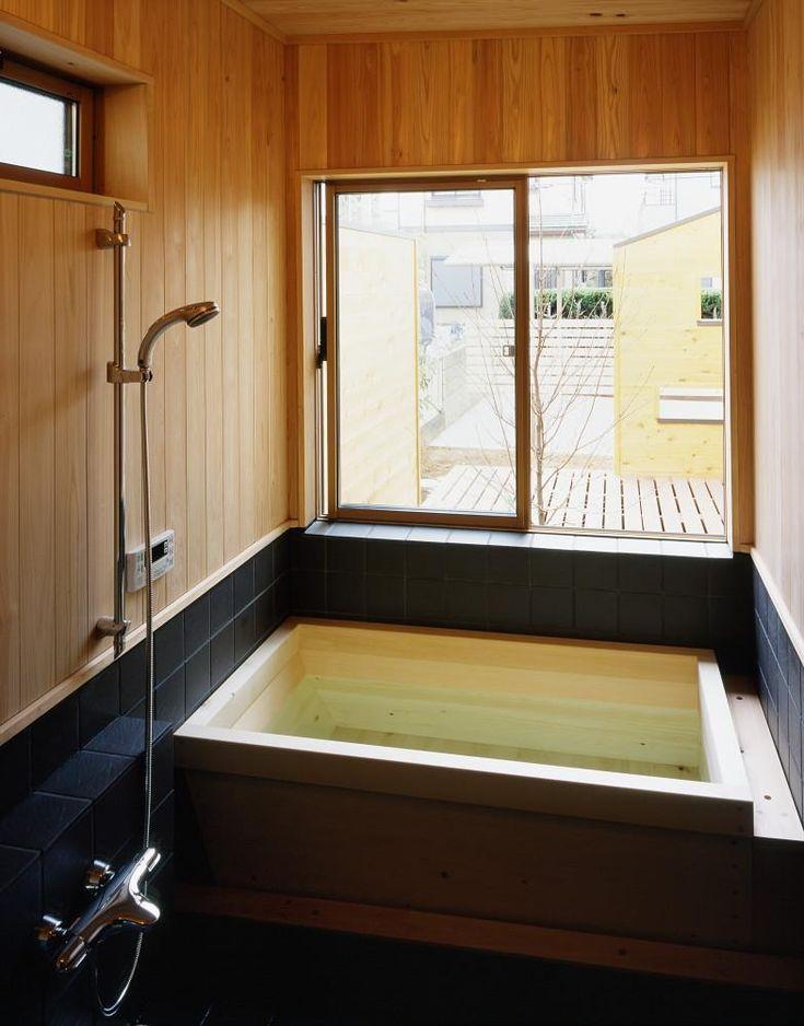 バス/トイレ事例:浴室 デッキに面して明るい(若葉の家)