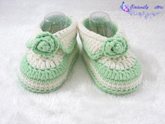 crochet baby shoes baby booties handmade booties ♥ by VivianDIY1226