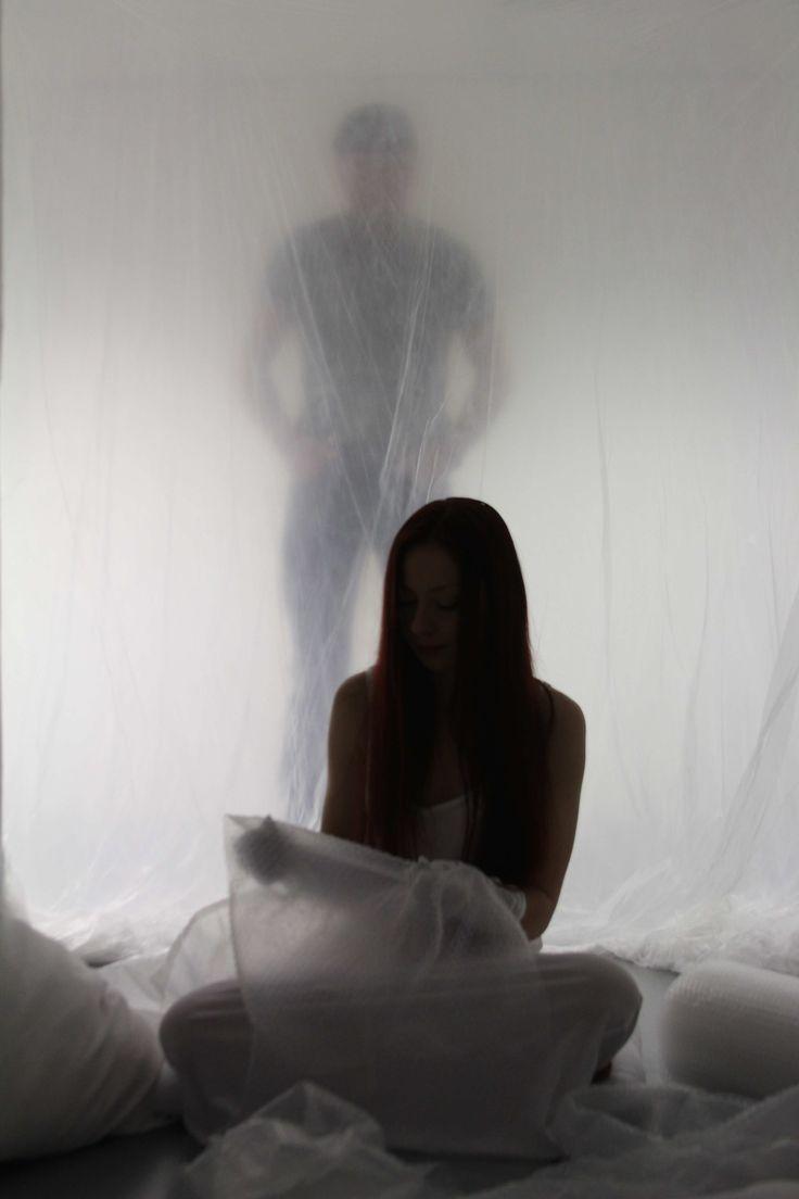 Performance by Vena Naskrecka in hut designed by Max De Meester