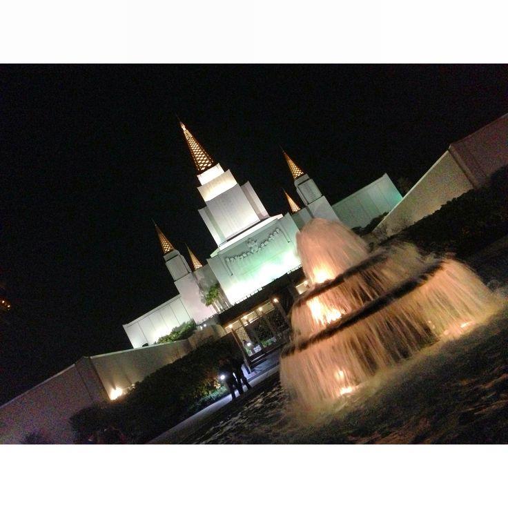 この神殿です。ここ神様の愛尾感じることができます!  This is a special place