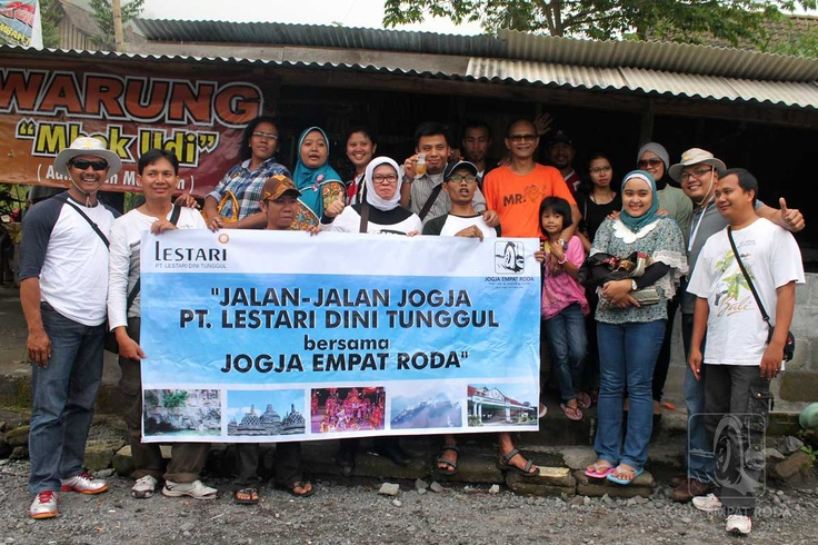 Foto Bersama di Lava Tour Kaliadem