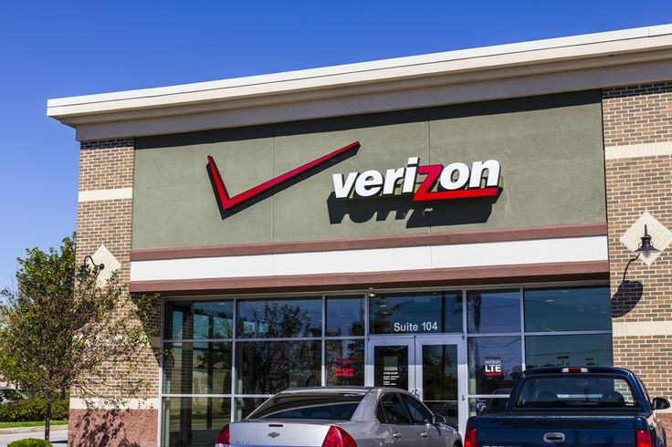 """Verizon is often praised as the best wireless network with """"outstanding"""" performance, speed and reliability. In an effort to stay in the top spot, the carrier recently added unlimited plans back in…"""