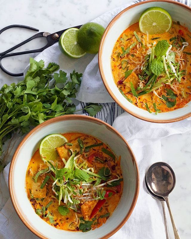 In our August–September issue you'll find vibrant, wholesome curries by Kelly Gibney of @bonnie_delicious_blog, like this Tempeh Curry Laksa with Coconut Milk and Kelp Noodles. Our new issue is on sale now