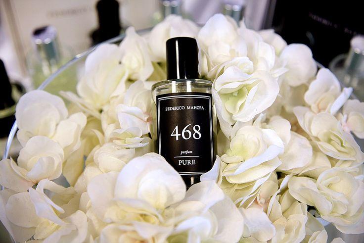 PURE férfi parfüm.  Egy jó férfi illat feladata a férfiasság, az erő és az igényesség kifejezője. A PURE termékcsalád parfümjeire az egyediség a jellemző,  hiszen nem ismert márkanevek által megszokott illatokat tartalmaznak, hanem teljesen egyedi kompozíciókat.  A parfümök 50 ml-es üvegekben és egységesen, 4.560 Ft.os katalógus áron kaphatóak. Parfümolaj tartalom: 20%