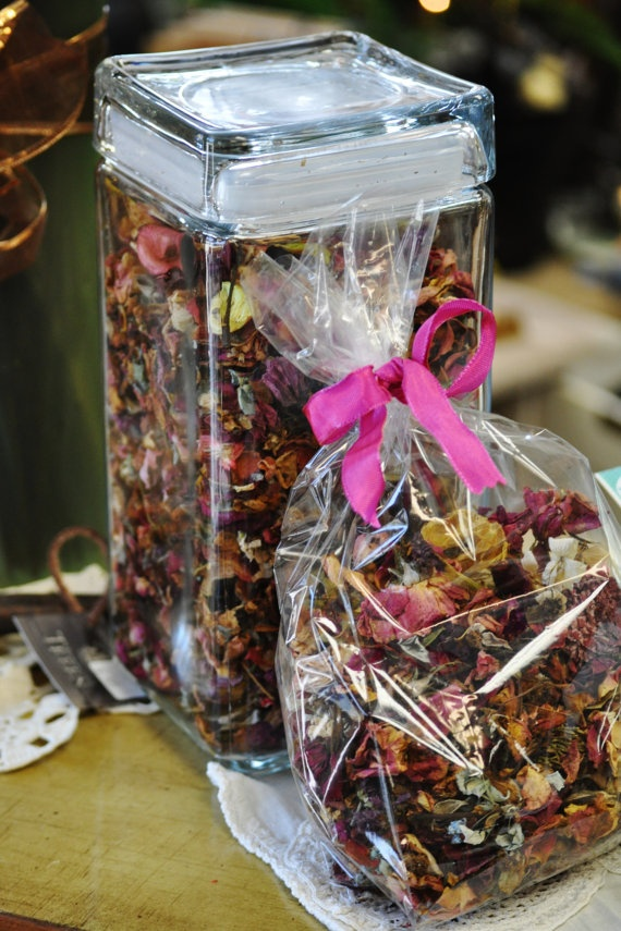 how to make potpourri with dried roses