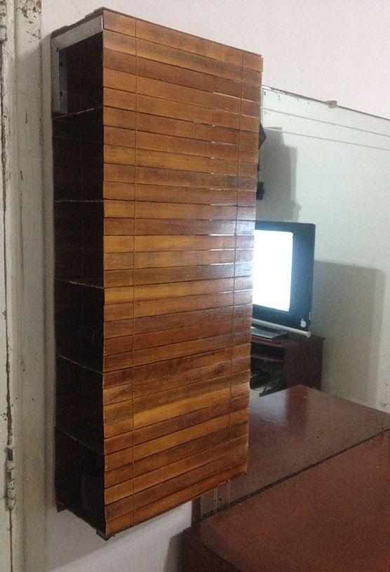 Zapatera de madera. Deja que la gravedad le dé forma a tus muebles.