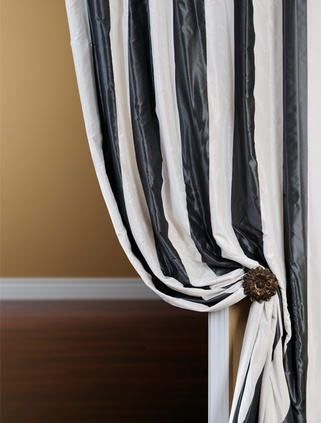 201 best black and white decor images on pinterest for Black and white striped bathroom accessories